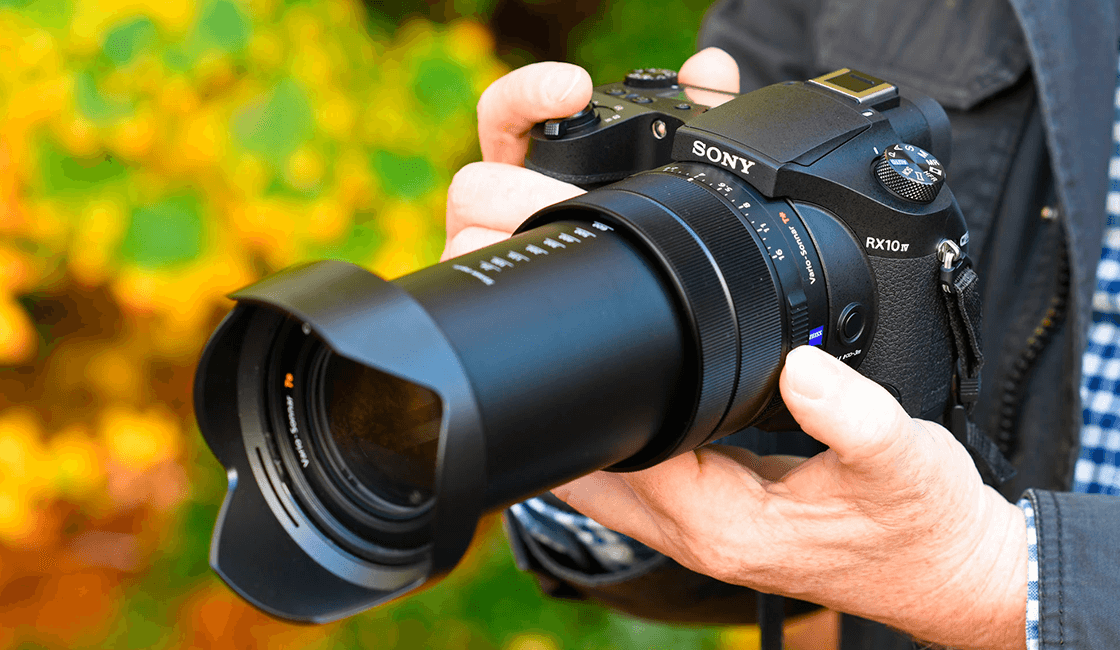 Sony-Cyber-shot-RX10-IV-es-la-mejor-cámara-de-fotos-para-viajar.