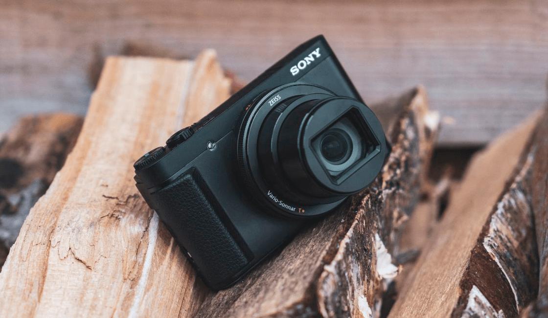 Sony-RX-100-VII-es-una-de-las-mejores-cámaras-para-viajar-