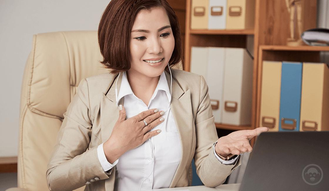 9. Cuida tu lenguaje corporal al momento de la entrevista laboral virtual