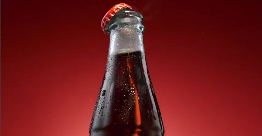 Coca-Cola celebra los 100 años de su botella con una campaña a nivel mundial